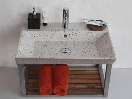Lys håndvask i terrazzo